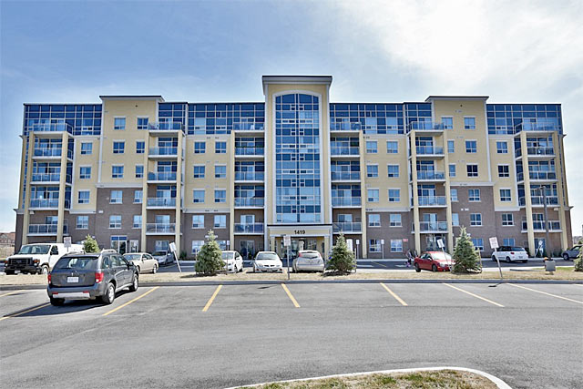 1419 Costigan Road, Milton - Ambassador Condominiums
